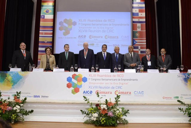 Inauguración de la Asamblea de AICO en Fundación Cajasol