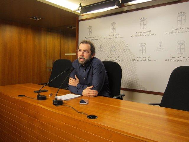 El portavoz de Podemos en la Junta Genera, Emilio León