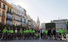 La ruta ciclista Moving for Climate NOW pone rumbo desde Sevilla a la Cumbre de Marrakech