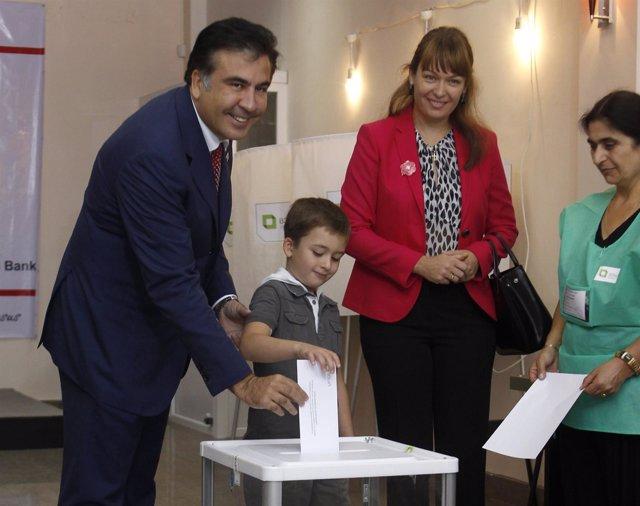 Mijail Saakashvili, deposita su voto