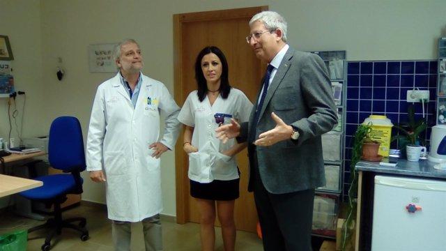 Boix asiste al inicio de la campaña de vacunación contra la gripe