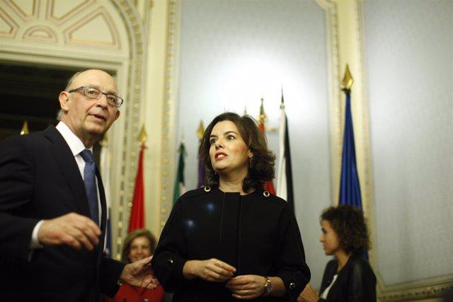 Montoro realiza el traspaso de competencias territoriales a Santamaría