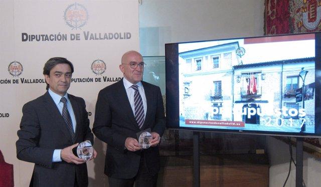 Carnero (d) y Hernández (i) en la presentación de los Presupuestos