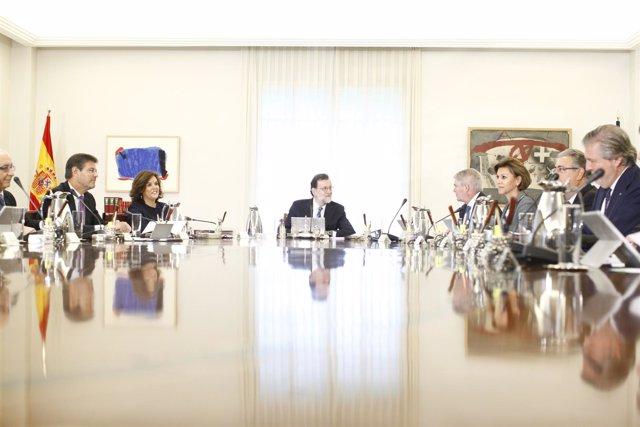 Rajoy preside el primer Consejo de Ministros del nuevo Gobierno