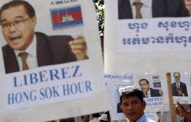 Un senador camboyano, condenado a siete años de cárcel por un post de Facebook