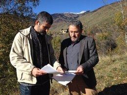 Garriga y Miralles en la zona quemada de la Guingueta