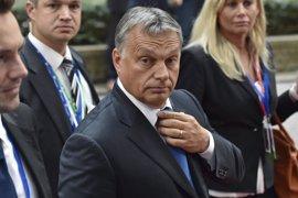 Revés para Orban: El Parlamento húngaro rechaza su propuesta de prohibir el reasentamiento de refugiados