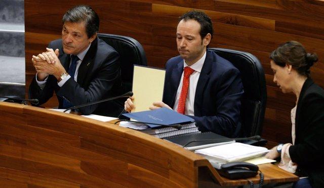 Javier Fernández en el pleno del Debate Orientación Políctica.