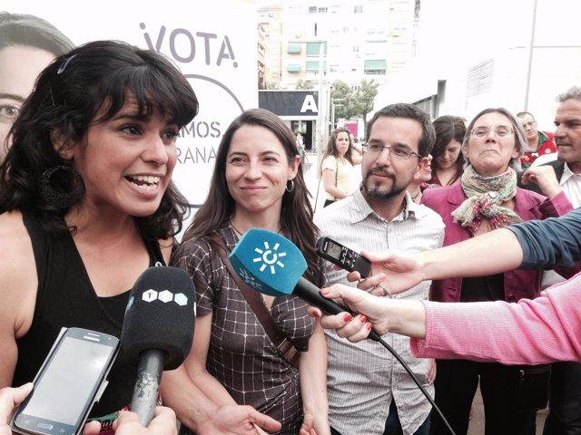 Teresa Rodríguez, Marta Gutiérrez y Sergio Pascual