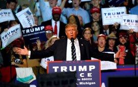 """Trump denuncia que """"muchos sondeos están mal a propósito"""""""