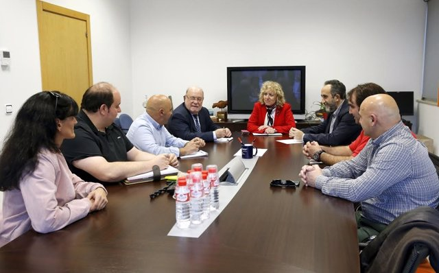 Tezanos, Sota y Blanco con el comité de Sidenor
