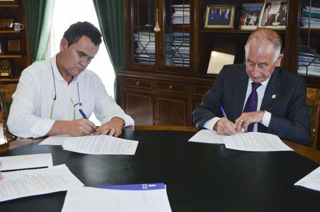 Diputación adjudica obras de suministro de agua en Vélez Rubio.