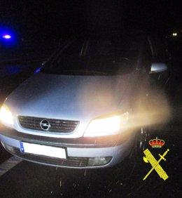 Imagen del vehículo cuyo conductor fue detenido por la Guardia Civil
