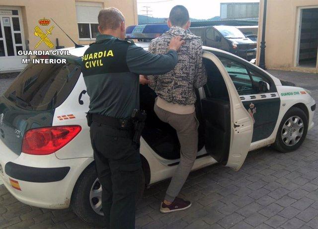 Guardia Civil detiene a los dos presuntos autores de un robo con violencia