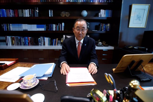 El secretario general de la ONU, Ban Ki Moon, en su despacho