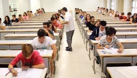 """Educación y CC.AA analizan 'reválidas' sin Cataluña y Navarra en una reunión """"tranquila"""""""