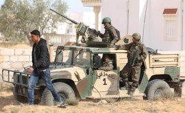 Las fuerzas de Túnez matan a un presunto terrorista cerca de la frontera con Argelia