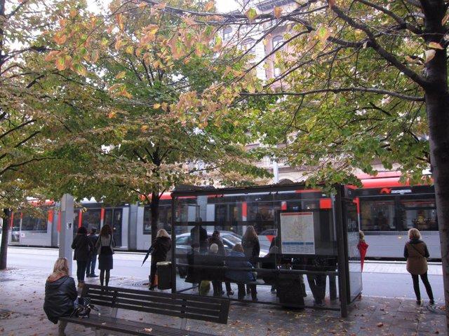 Tranvía, parada de autobús, bus
