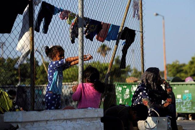 Refugiados en el aeropuerto en desuso de Hellenikon (Atenas)