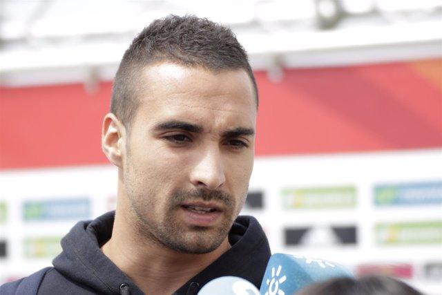 Sergio Asenjo en la llegada a la concentración de la selección de fútbol