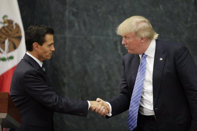 Peña Nieto recibe a Donald Trump en México