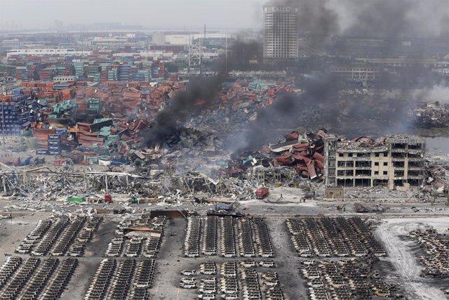Destrucción tras las explosiones en Tianjin