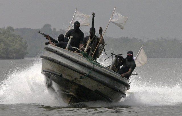 Guerrilleros nigerianos en el Delta del Níger, en Nigeria