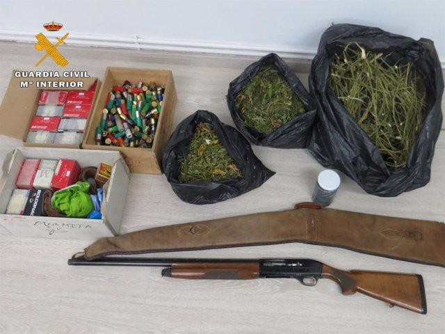 Droga y escopeta interceptada en un control por drogas en Torremontalbo