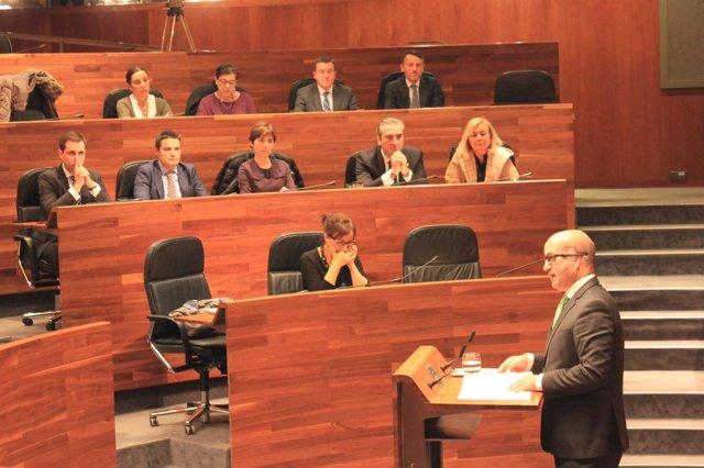 El Portavoz Adjunto Del PP, Luis Venta Cueli, En El Debate De Orientación.