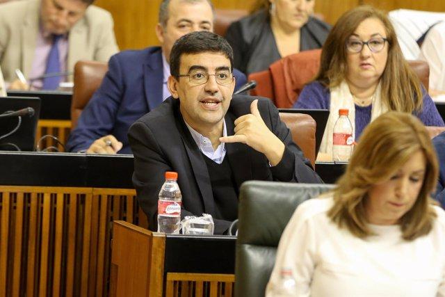 Mario Jiménez y Susana Díaz, en el pleno del Parlamento