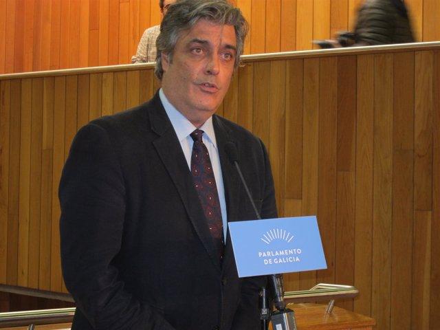 Pedro Puy en el Parlamento.