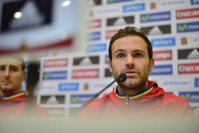 Juan Mata y Aritz Aduriz en rueda de prensa con la selección
