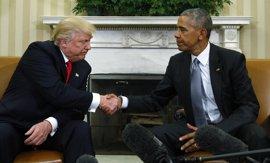 """Obama y Trump mantienen una """"excelente"""" conversación en la Casa Blanca"""