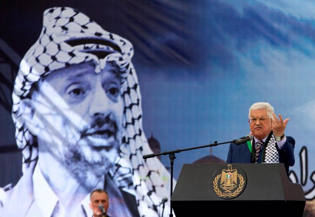 Abbas durante el acto por el 12º aniversario de la muerte de Arafat