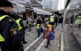 Suecia amplía los controles fronterizos otros tres meses más