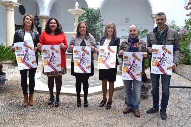 Carrillo (centro), durante la presentación de la ruta