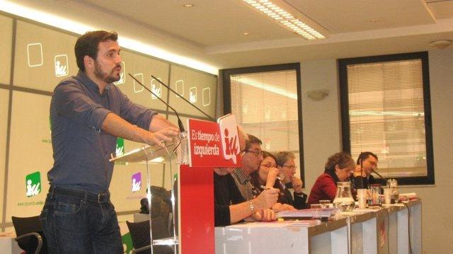 Alberto Grazón interviene durante la reunión el Consejo Político Federal de IU