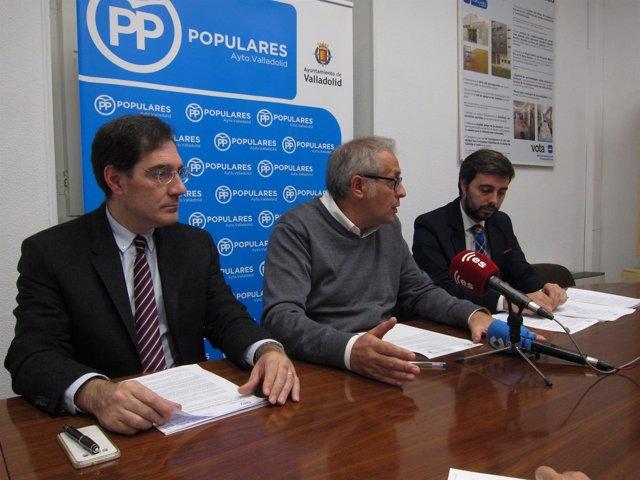 Los concejales del PP Jesús Enríquez, Martínez Bermejo y Borja García