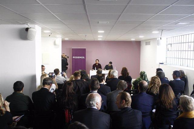 Pablo Iglesias y Pablo Bustinduy en la sede de Podemos