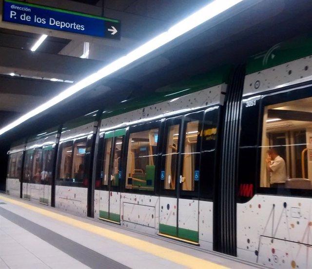 Metro de Málaga en el interior de una estación