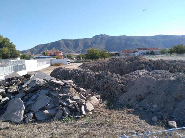 Vertido incontrolado de residuos peligrosos procedentes del colector del AVE