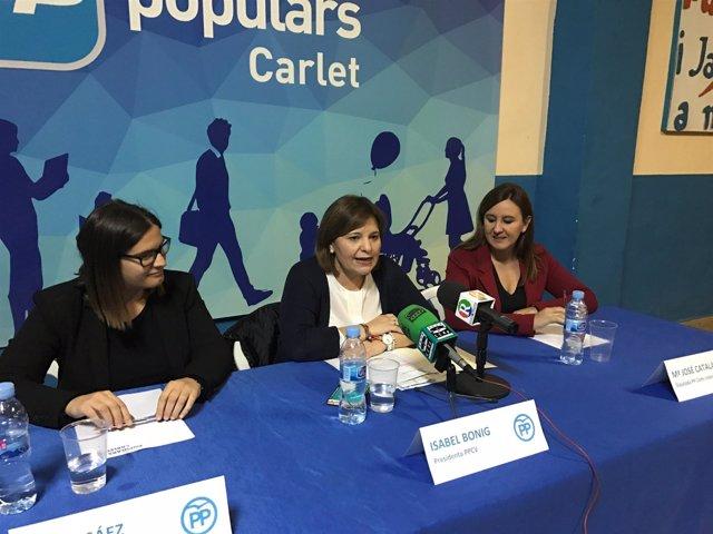 Isabel Bonig (en el centro de la imagen)
