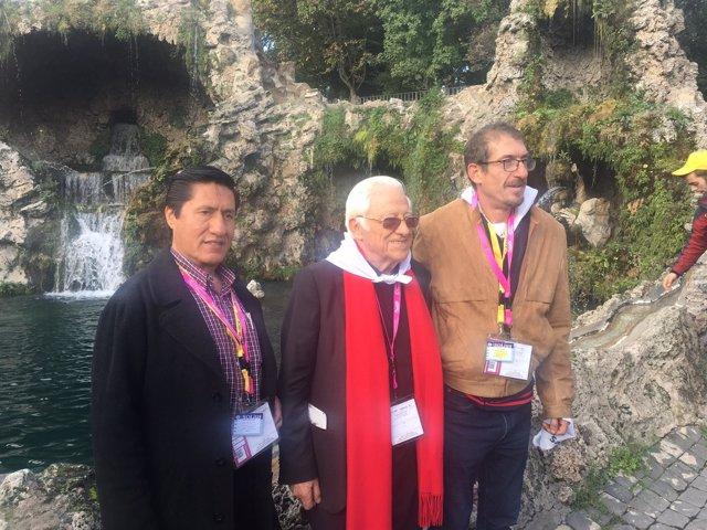 """NP El Papa Francisco Al Padre Ángel: """"Seguí, Ángel. Ellos, Los Pobres, Sí Que So"""