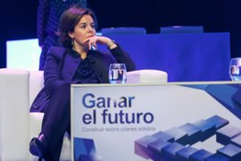 Saénz de Santamaría invita a un diálogo sincero entre presidentes de CCAA sobre grandes temas