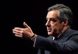 Fillon remonta en las primarias de la derecha francesa, dominadas por Juppé