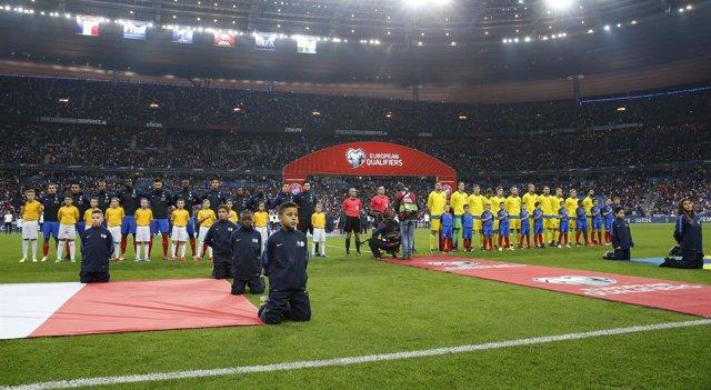 Estadio de Francia guarda un minuto de silencio antes del Francia-Suecia