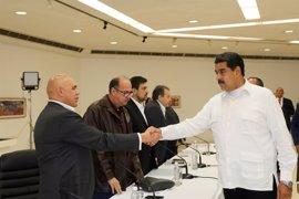 Maduro entregará a la oposición un documento con sus propuestas para la paz en Venezuela