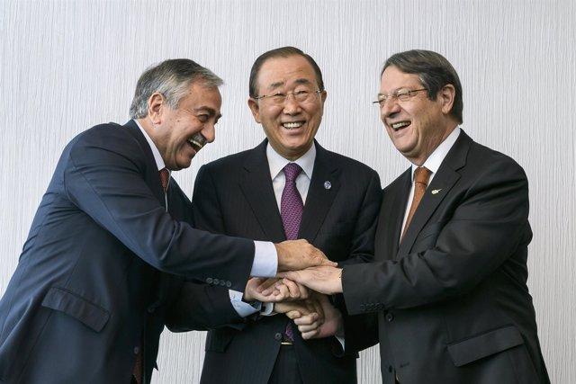 Ban Ki Moon, Nicos Anastasiades y Mustafa Akinci inician conversaciones