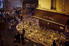 París rinde homenaje a sus 130 muertos un año después de la masacre