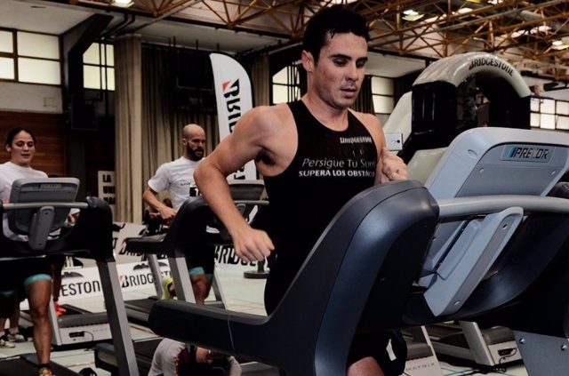 Javier Gómez Noya Desafío Triatlón Bridgestone